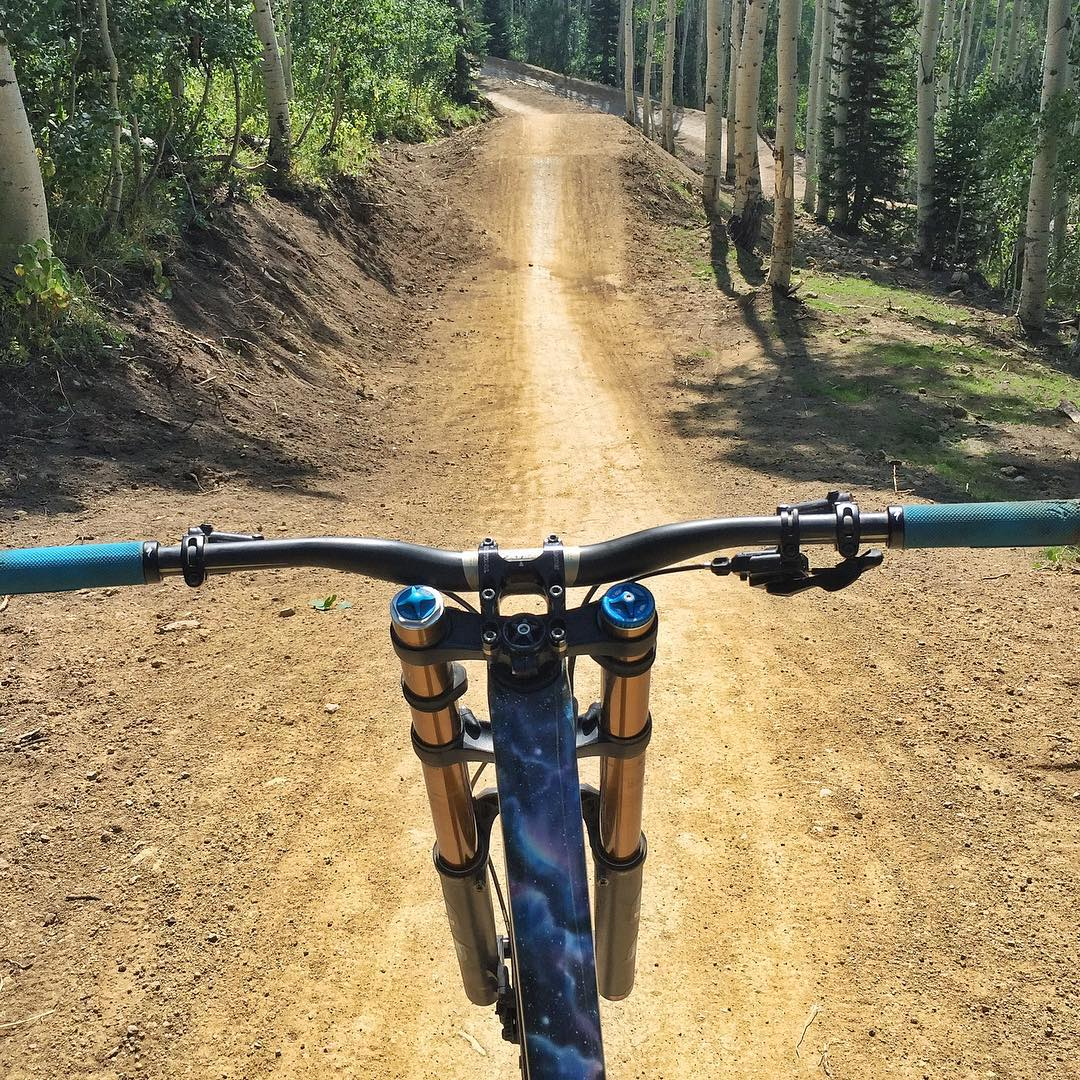 I love fast trails with fun jumps and huge berms. My intergalactic @iamspecialized space bike and I approve. Muchly. #thoseshocksthough #spacebike #endor #ewoks #ParkCity