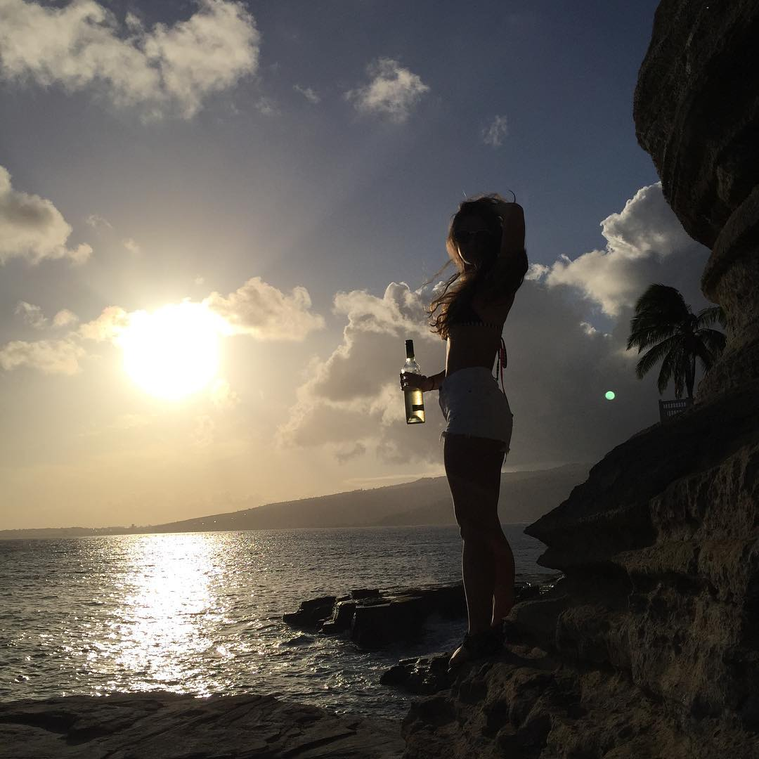 "It's Friday and that means you can drink a whole bottle of wine and nobody judges you.  Unlike on Mondays, where everyone is like ""dang, she drinks that much on a Monday?!"" Screw you, Monday.  #fridayrant #chinawalls #friday #wine #sunset #hawaii"