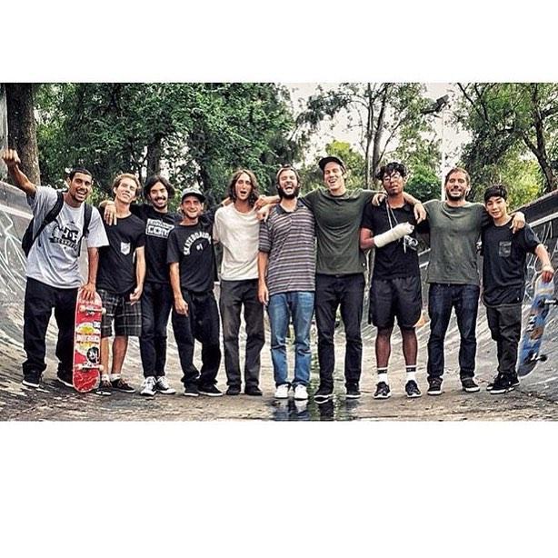 Squad deep in Guadalajara! Such a rad filming trip!  @tiagolemoskt @carlosiqui @starheadbody @jakedarwen @martinfobes @thaynancosta @gastonfrancisco @angelo.caro Photo: @massimolegittimo #DCShoes