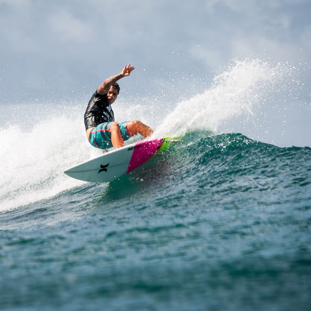 Head over to Ala Moana Bowls tomorrow and watch defending HSC shortboard champion @kekoa_cazimero surf to defend his title! There will be lots of talented competitors, so you do not want to miss it! #HawaiiSurfingChampionship #Bowls   PC: @coleyamane