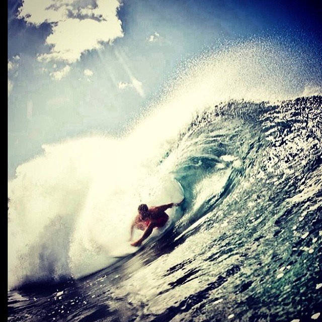 Recuerdos de Feli @felisuarez1 y su temporada en Hawaii #volcomfamily #surf #volcomhouse #Hawaii #felipeSuarez #volcom