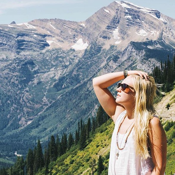 Weekend adventurer.  Shoutout to one of our newest Creative Ambassadors @goldiehawn_ - thanks for being so amazing! Photographed by @leanne262.  #SOLOeyewear  #neverstopexploring #explore #exploremore #mountains #nature
