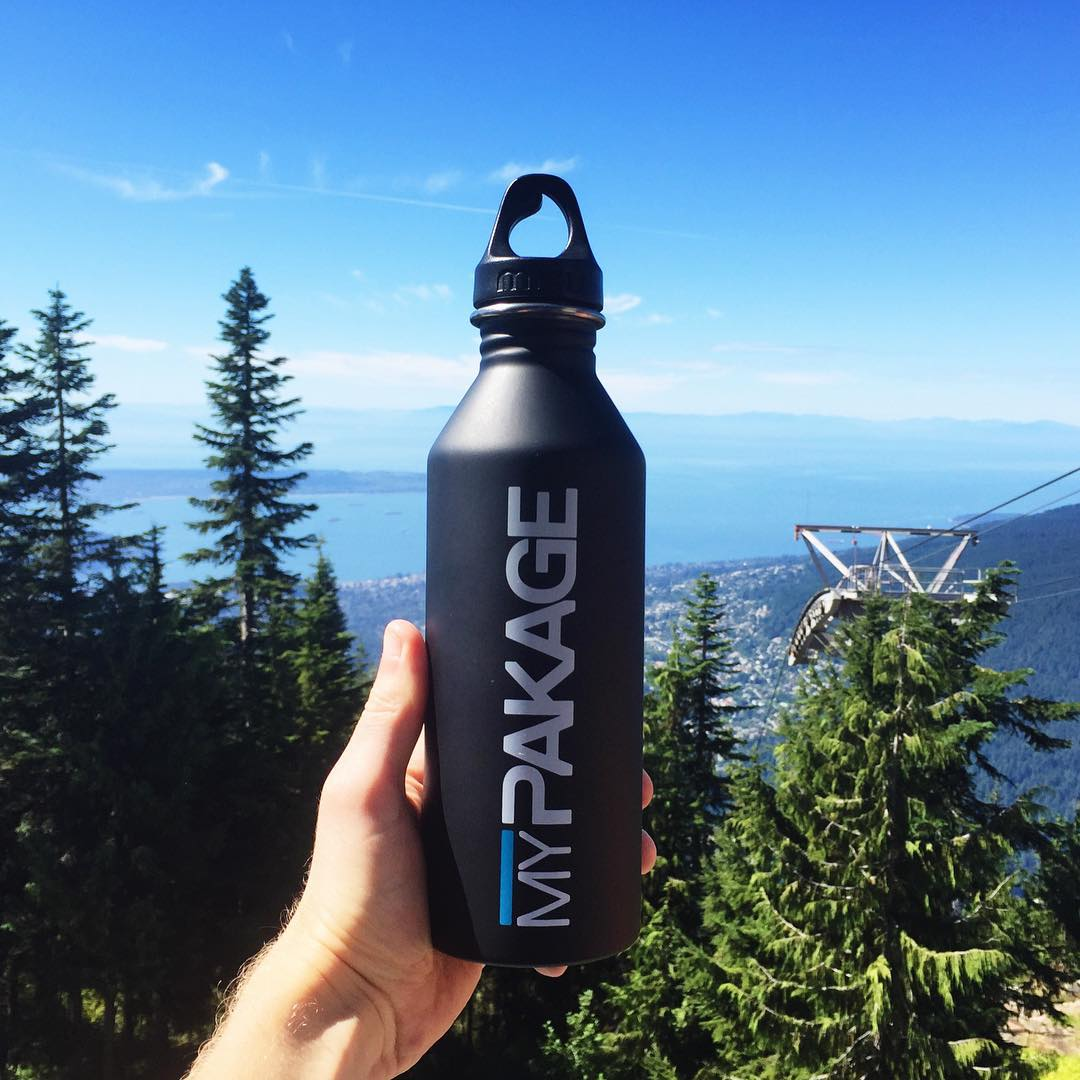 Saturday adventures in our backyard. Staying hydrated with our custom @mizulife water bottles! #permissiontoplay #mizulife