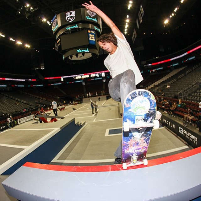 Evan Smith (@starheadbody) getting frontal blunted at today's @streetleague practice in New Jersey >>> you can watch the live webcast of the event TOMORROW on streetleague.com at 1pm ET #GOEVAN #GONYJAH