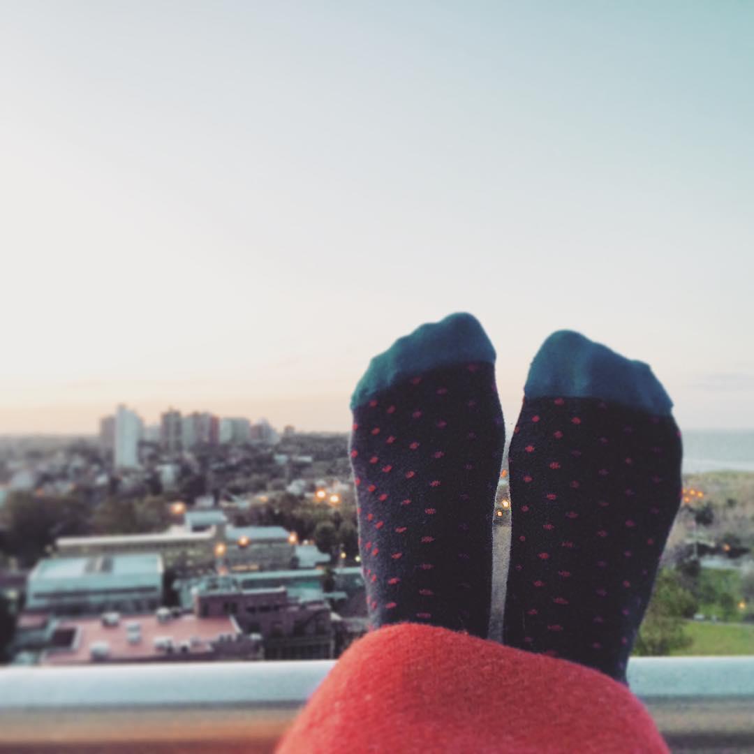 Domingo fresquito pero abrigadito: mantita + #MediasConOnda modelo #Valencia #style #socks #YoUsoSuarez