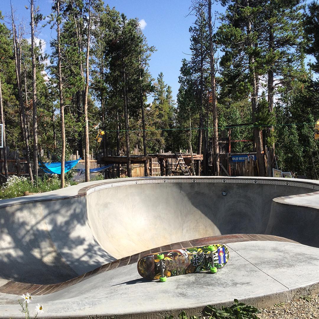 Life at high elevation is gooooooood. #haroldshideaway #coloradoskateboards sk8 comp here September 19th @paintergooner