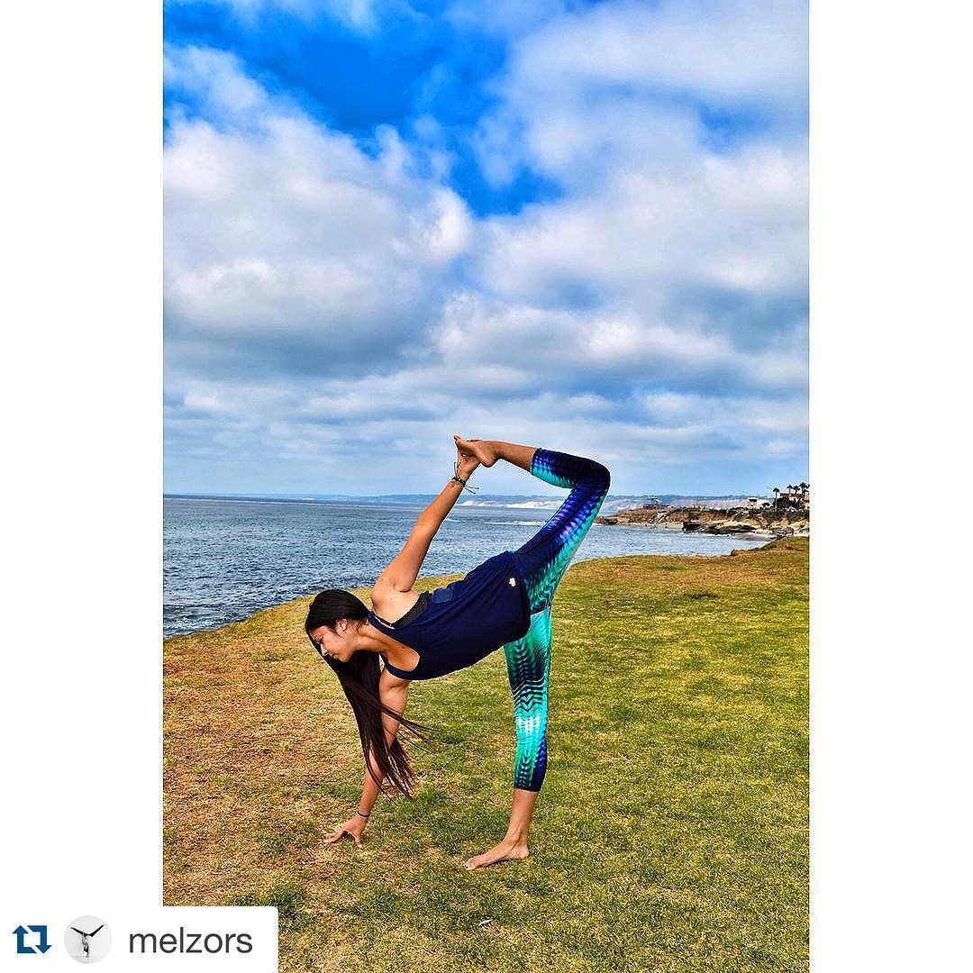 Loving @melzors in our Mermaid Cove Half Lotus Crop! Shop now, www.threadsforthought.com #T4Tactivewear #fashion #sustainable.  #Repost @melzors with @repostapp. ・・・ When your leggings go with the scenery