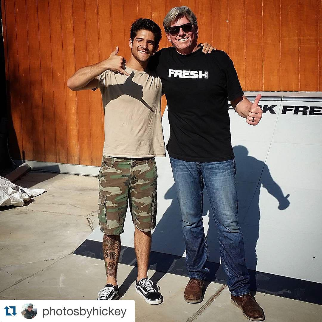 #Repost @photosbyhickey  Tyler Posey and I setting up his personal Freshpark Skatepark @freshpark @tylerposey #freshpark #skateboarding #skateramps