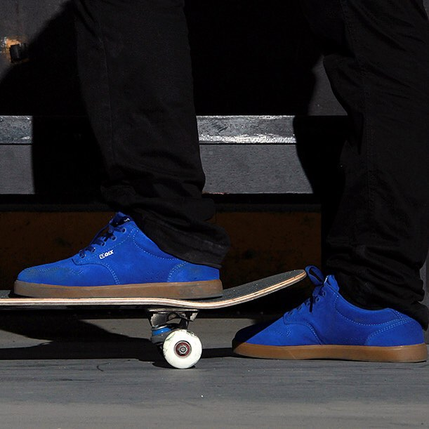 Você que curte skate e gosta das sessões nos picos de rua, não pode deixar de usar o tênis #QIX Base. Escolha o que mais combina com seu estilo em www.qixskateshop.com.br e nas lojas @qix_nh e @qix_galeriadorock