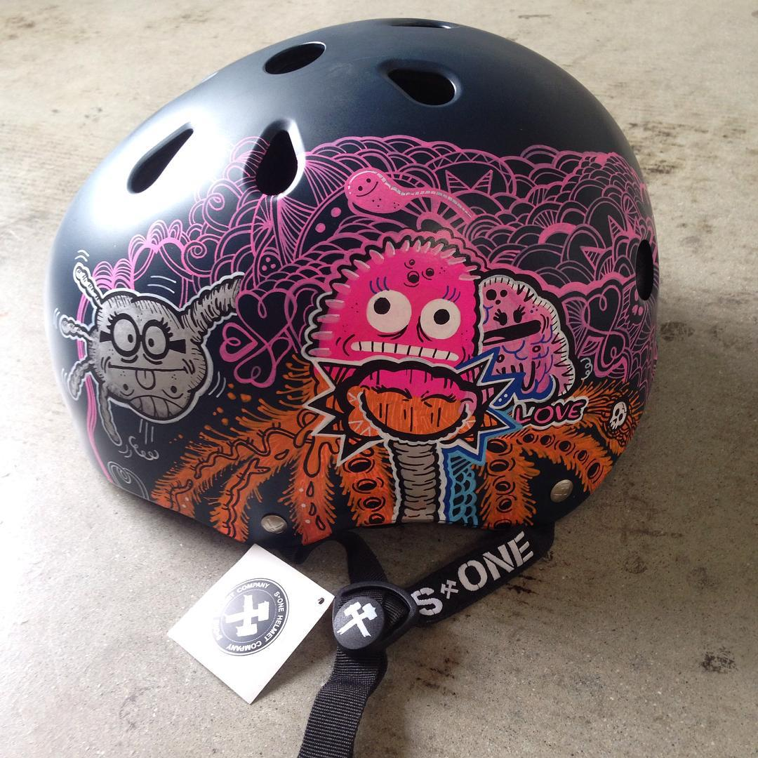 @vulvarinesaperson stopped by the other day and dropped this off. #radness #getcreative #inspired #love #skateandcreate #s1lifer #s1helmets #artonahelmet