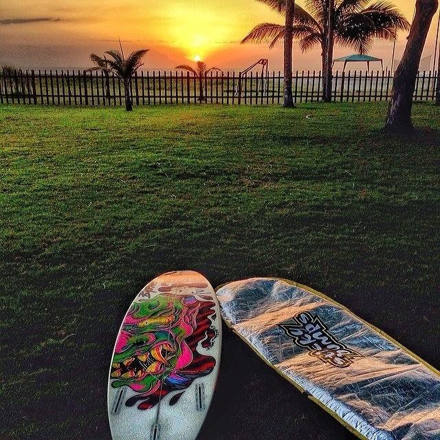 @mpasseri1 despide la jornada desde Ecuador. @AlasLatinTour #soul #surfing #sunset #reefargentina
