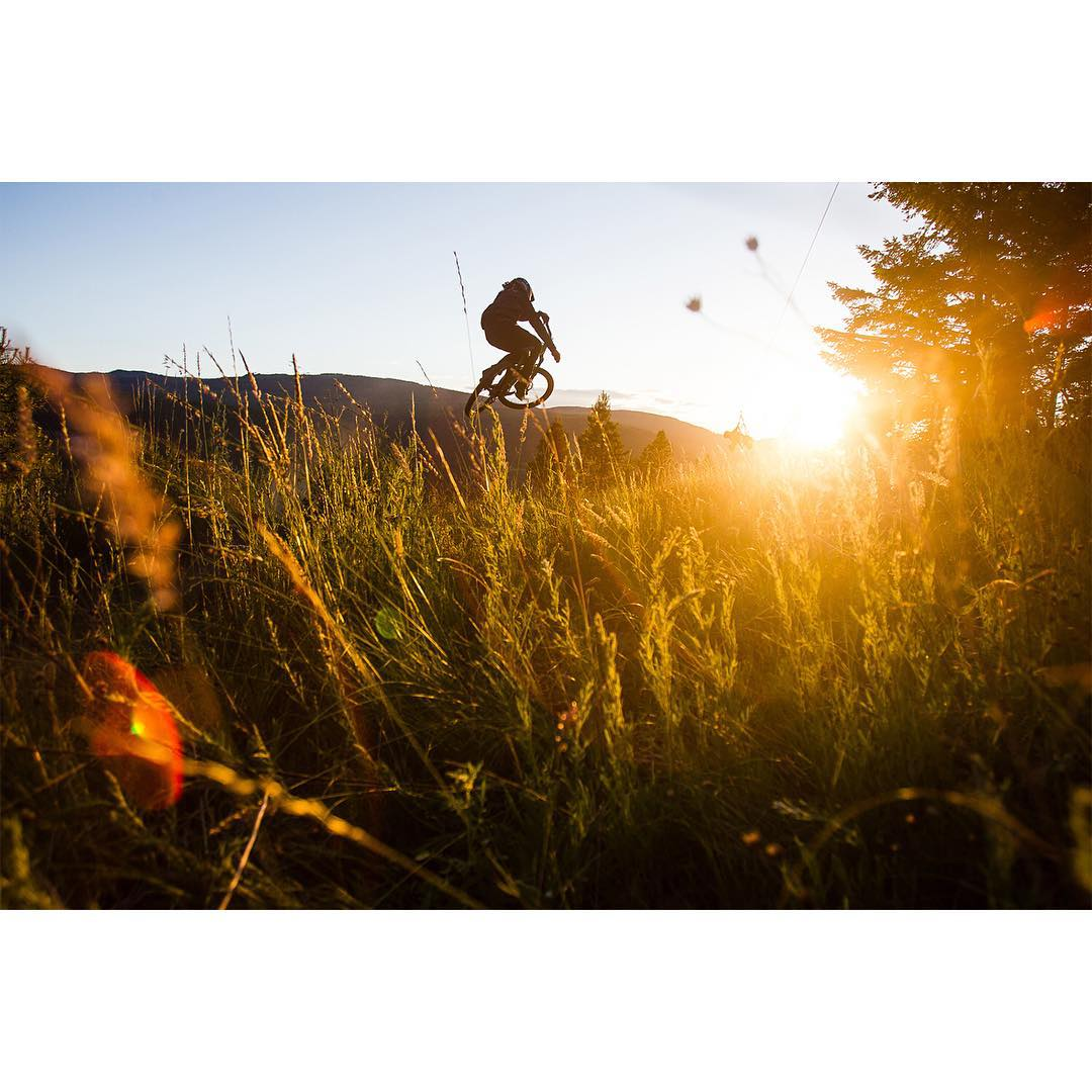 Pro mountain biker @grahamagassiz was traveling a perilous path until a serious neck injury changed the course of his life and career.  Click the link on our profile page to check out his story! (
