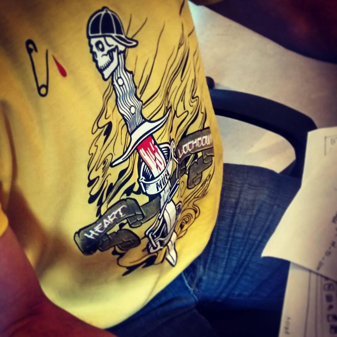 Inked en la oficina!  #tshirt #miumtoys #inked #newcollection