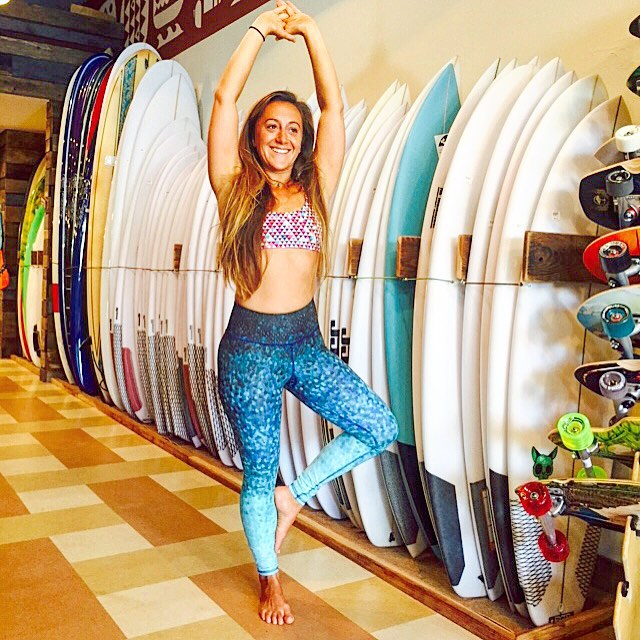 do what you love & you'll never work a day in your life.  Yoga teacher Sarah Pascual @biscuitwaveryder leads surf and yoga retreats all around the world and can be found teaching yoga for surfers at @aquasurfshop when she's in #SanFrancisco - #OKIINO...