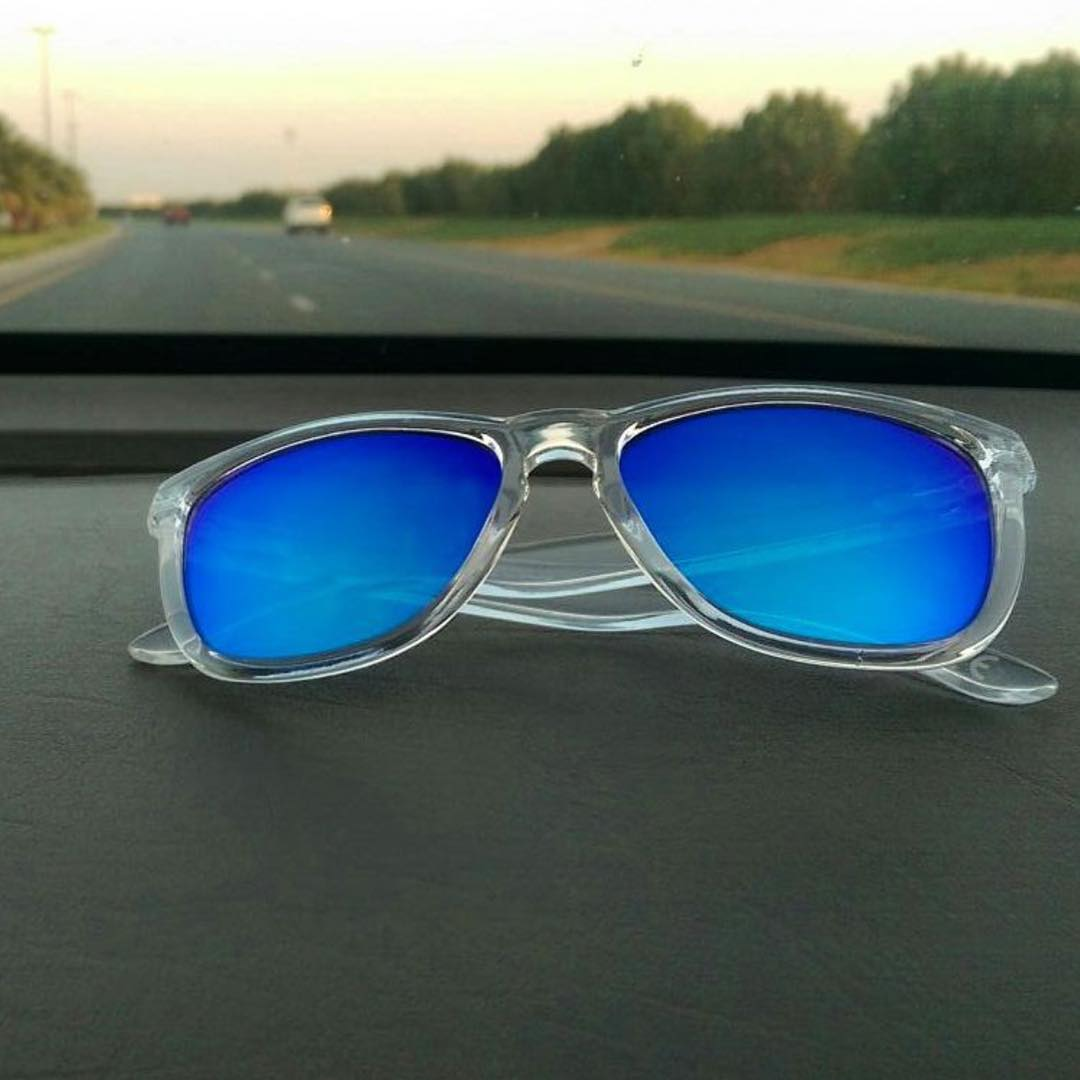 On the road again Frames: Blue Coconut Kameleonz.com