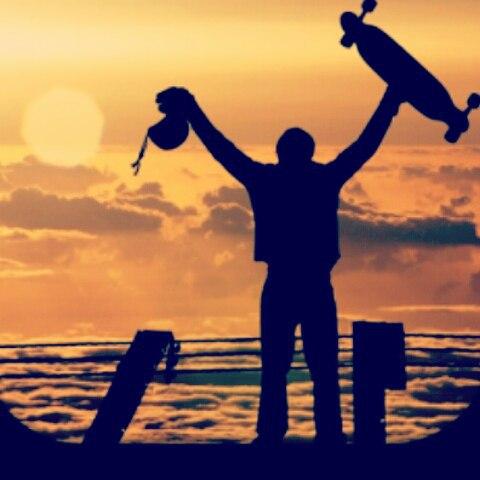 Vida en movimiento! Vamos por mas todos los días! Andarxandar!  www.wikasport.com encontra tu longboard preferido. #longboardsworld #longboardlifestyle #longboarddancing #longboardday  #longboardwheels  #deportesextremos #extremotivation #deporte...