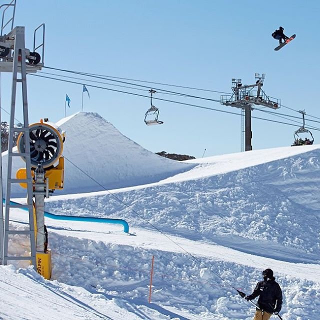 The Southern Hemisphere has been having one of their best winters to date and the Aussie contingent is taking full advantage. @cohendavies sends it deep while filming for the #WeAreFrameless Down-Under edit at @perisher_resort. Link the video in our...