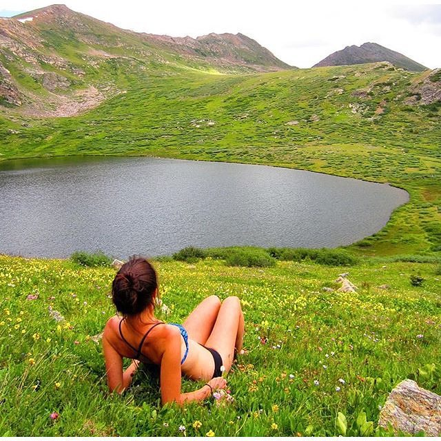 #miolagirls can hear the songs of the hills   @bvalorosi in our Pin-up Top & Supercheeky Bottoms    #getoutthere #miolamazing #soundofmusic #tahoe