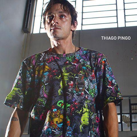 Faça como o @thiagopingo. Vista a camiseta #QIX Monsters e saía estiloso para o rolê! www.qixskateshop.com.br