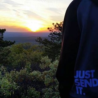 @anthony_guido_ On a #morning #sunrise #hike #JustSendIt #gooutside #hiking #readyfortheweekend