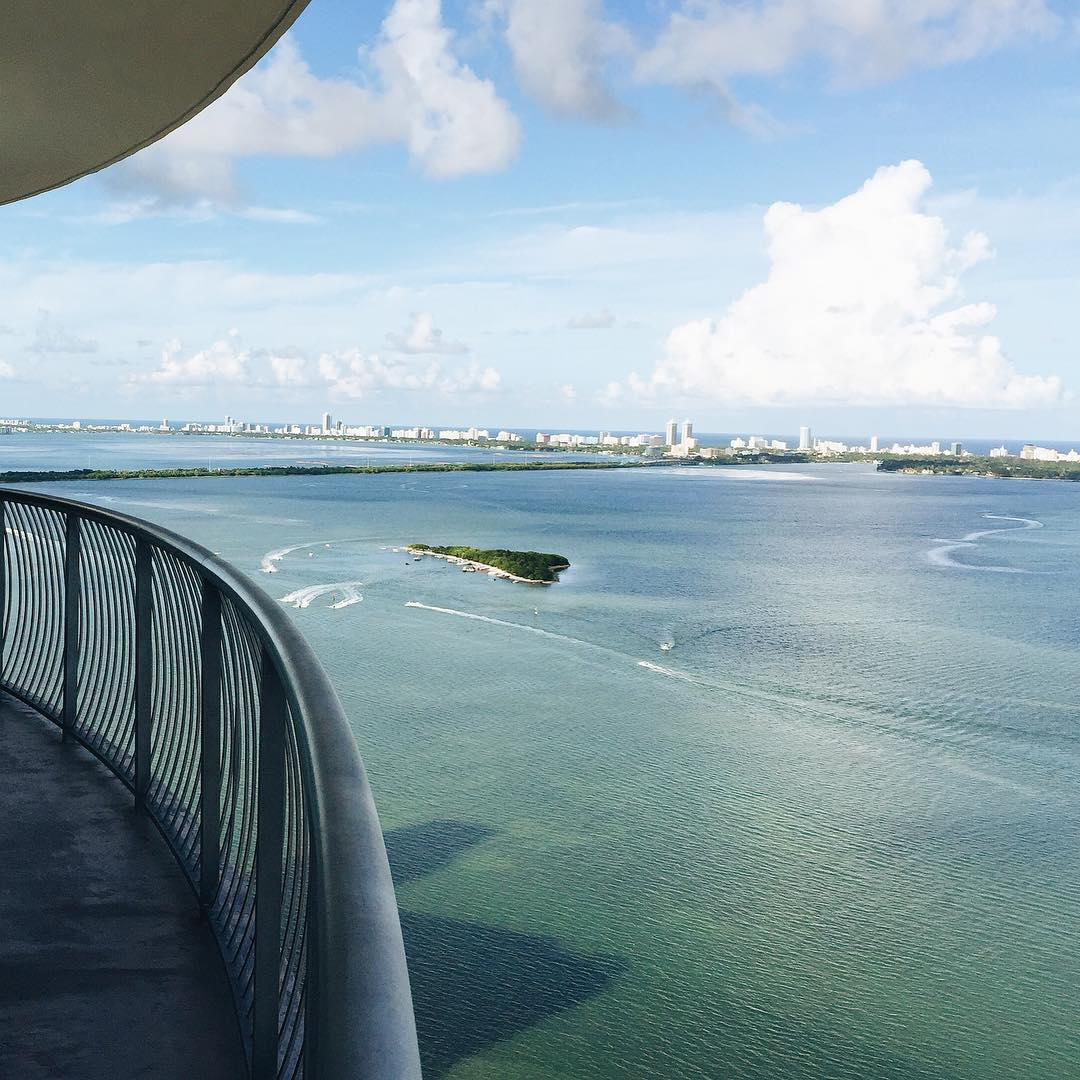 And we've arrived to the final location of the roadshow: #miami! #HICKIEStrippin #ReplaceTheLace