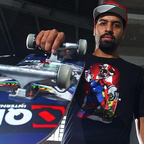 @caiquesilvaskt veste QIX pra ficar estiloso no rolê. Garanta a sua camiseta #QIX em www.qixskateshop.com.br