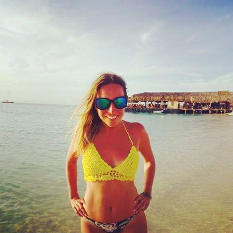 Si ella ya lo tiene... No dudes que es el #must del #verano @maiteirazu #encrochetada ⭐️⚡️☀️ Los tops son #lomaximl y ya estan #instock