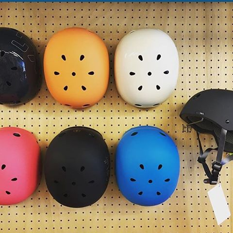Colourful display of XS Classic Skate helmets in Kyoto, Japan @cyclegarden #xshelmets #weoutthere #bike #cycle #cyclechic #bikehelmet #skatebikeboardski