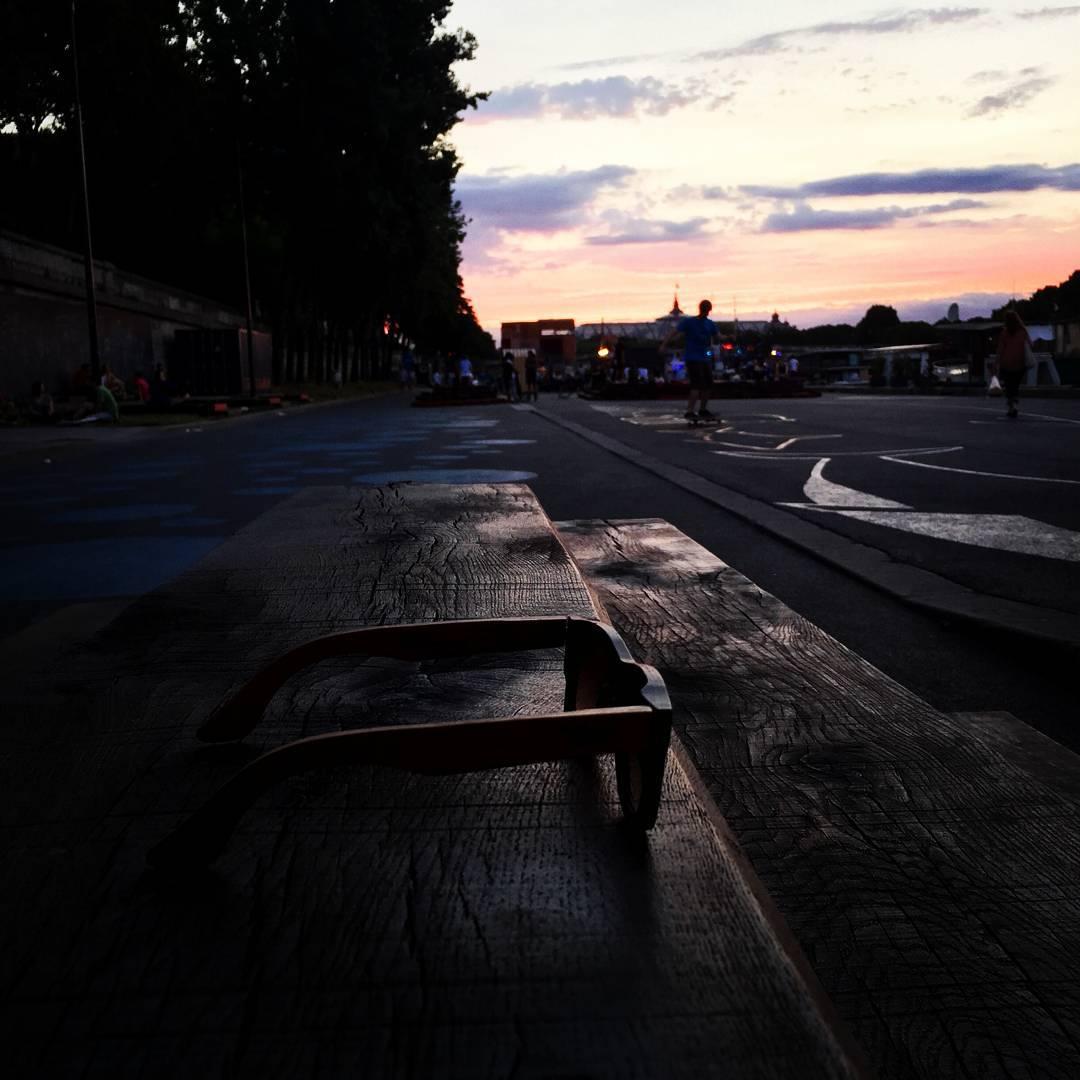Decretado el fin de semana! See you! -------------------- #numag #wherenaturerocks #borninargentina #diseñoargentino #innovacion #sustentables #retro #moda #gafasdemadera #viaje #madera #anteojosdemadera  #night #atardecer #buenosaires #photooftheday
