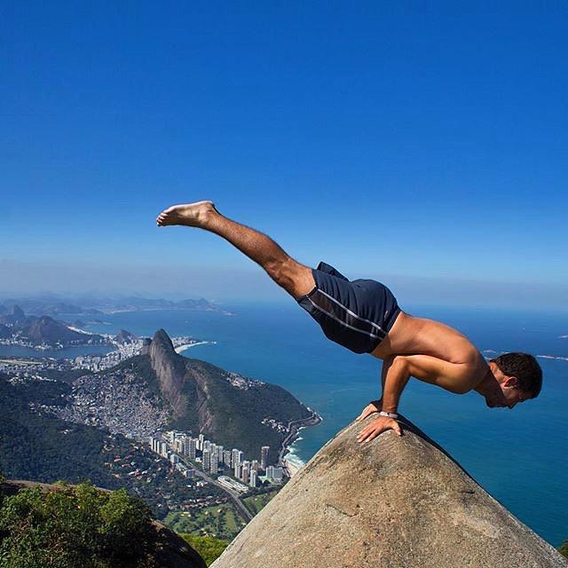 Taking balance to another level #livelokai Thanks @thiagomlcorrea