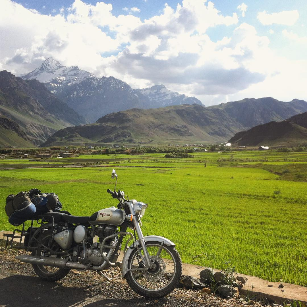 Never stop exploring. We snapped this on a detour to Kashmir during a sourcing trip in Himachal Pradesh, #india @jhanac #estwst #connectglobally #royalenfield #liveauthentic