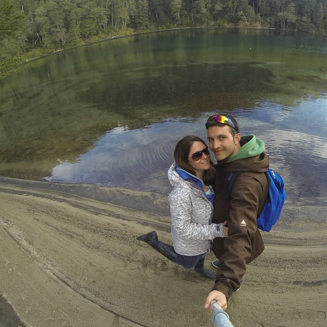 Despues de tanto duas de sky y snow.. decidimos hacer un parate y recorrer parte de villa angostura. Este es uno de los 7 lagos del sur. Lago espejo.  #villalaangostura #lago #lagoespejo #lake #gopro #gopro3 #adventure #igs_photos #agean_fotografia...