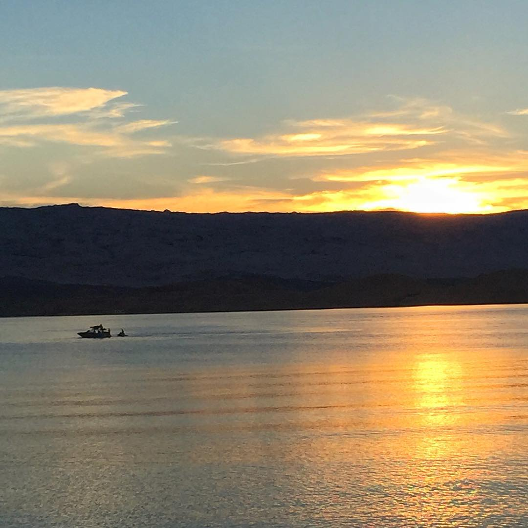 Obligatory end-of-awesome-day sunset photo. #LakePowell #sunsetporn #MasterCraft2015