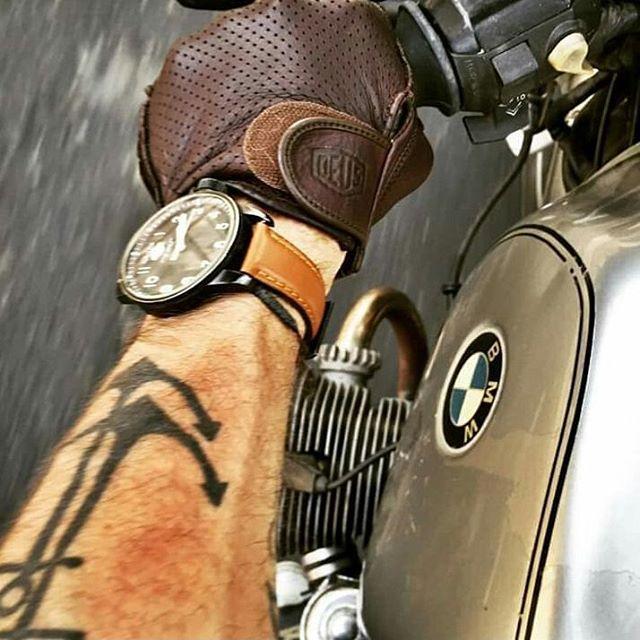 Lindo día para sentir el viento en la cara!! #motorcycle #ride #henryvonwartenberg #bmw