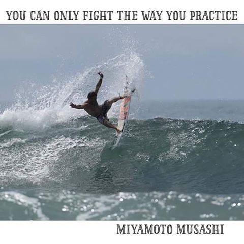 """@MartinPasseri - """"Sólo puedes luchar de la manera que entrenas"""" Entrenando uno aprende día a día, y la mas importarte es que debemos trabajar todo los aspectos para dar lo máximo de nosotros! #CostaRica #Training #Surfing #ReefTeam #Justpassingthrough"""