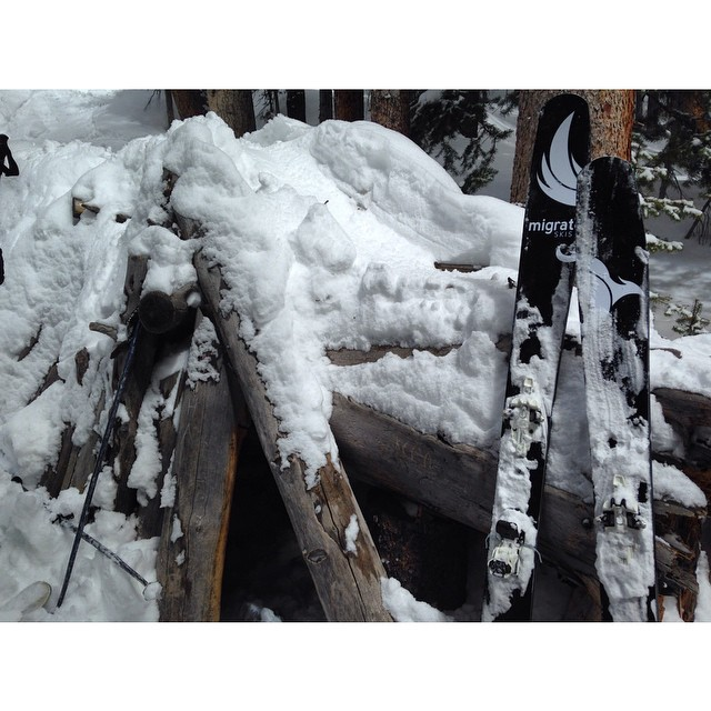 Well well, look what we found #migrateskis #carbonfiber #colorado #winterpark #powderday #pivvit