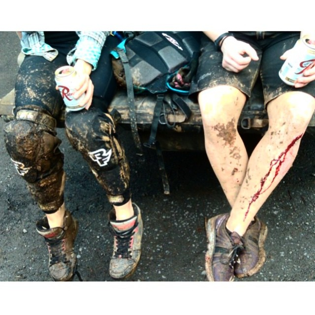 "Happy Monday! #regram from @casey_dilla_ ••• ""for the record, we shave."" #sisterhoodofshred #falldowngetdirty #mtb"