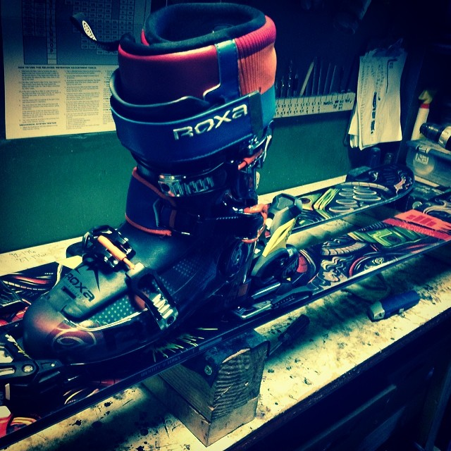 The new #freesoul10 paired with @4frnt_skis devastator is the sexiest valentine ever. #getsome #sohaaaawt