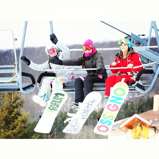 SHRED THE LOVE // Holiday Valley We are so excited to be back at @holidayvalley and @boardroomeville tomorrow for the sixth annual #ShredTheLove benefiting B4BC! B4BC's traveling education booth will be there, as well as women's riding and park...