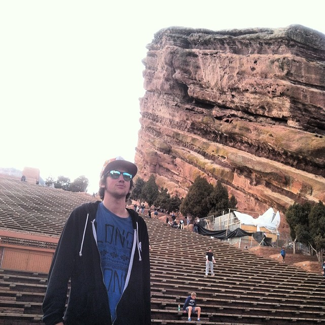 Long gone // red rocks ... Visiting the homies in denver. #stzlife #redrocks #denver #coloradokoolaid #longgone #shredweek