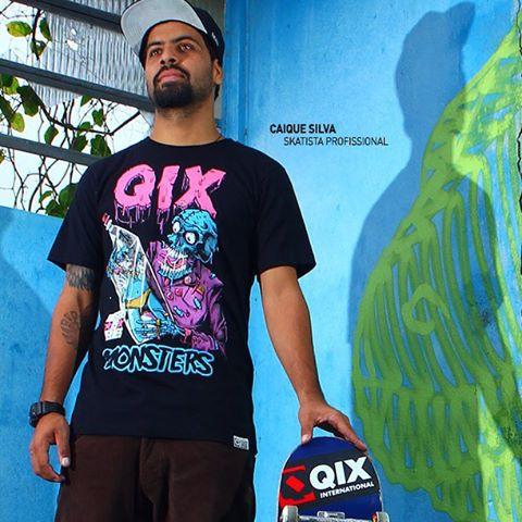 Faça como o @caiquesilvaskt  #QIX e aproveite todos os momentos da sessão com uma camiseta Monster Inverno 2015