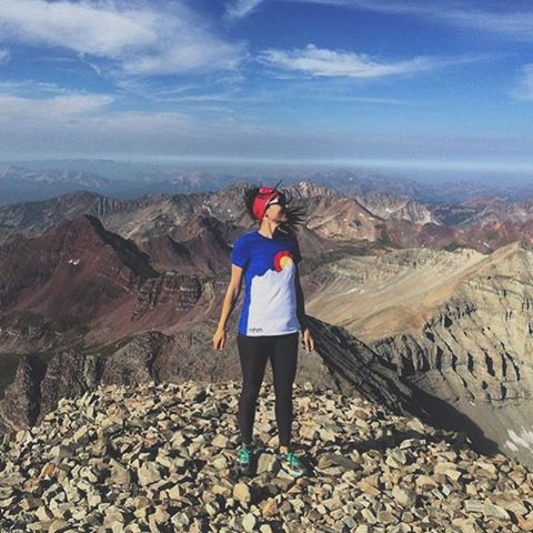 Supposubly our tees are this season's must have. MHMer and overall general badass, @halfpint22 shows off hers atop Castle Peak. #sohotrightnow #MHMgear #PacksElevated