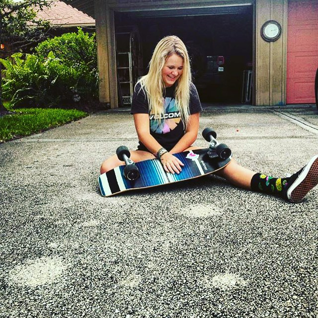 What you didn't see was the gnarly backside double flip hip Ollie she landed before taking this moment of relaxation... // skate sessions with #luvsurf brand ambassador @logan_mcleod #skate #smile #girlswhoskate #rip #awesomesauce