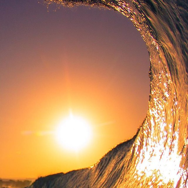Warm glow, bright reflections #lifesbetterinboardshorts