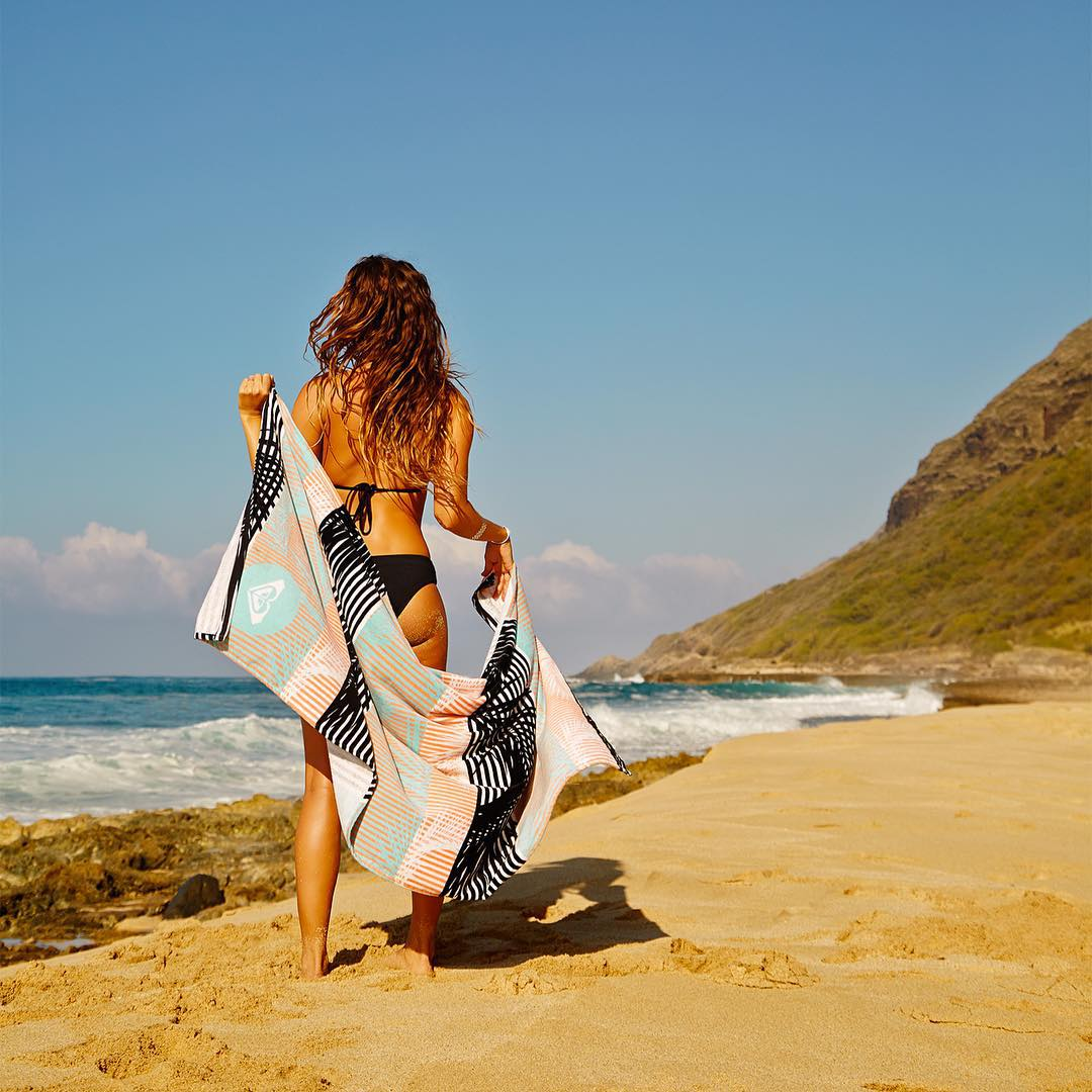 Time to shine with @monycaeleogram. #POPsurf