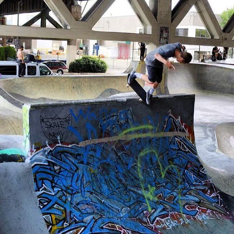 @tristanrennie nose pick at Burnside.