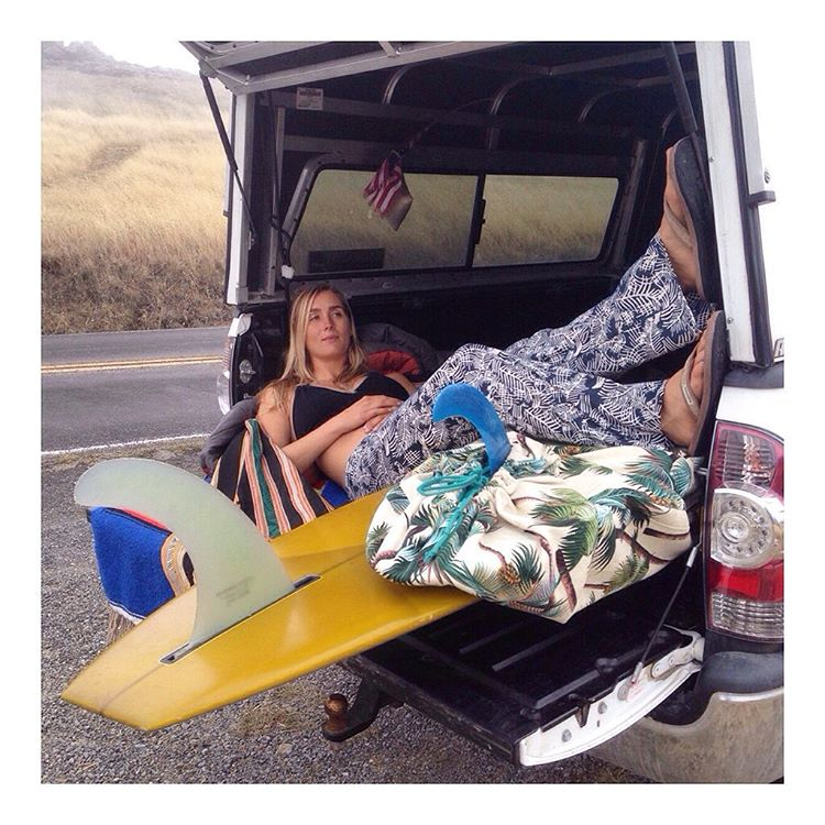 What weekend dreams are made of ❤️ @annaehrgott in the #TanBurlap sandal @sagebrushbags #goodhumancrew #vanlife #surflife #Indosole #TiresToSoles #SolesWthSoul