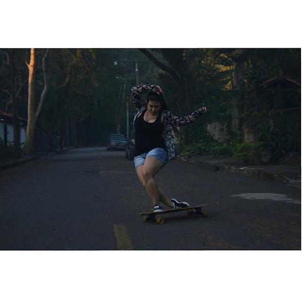 Brazilian rider @gavelak shot by @guiguitoveiga. Irado!  #Longboardgirlscrew #womensupportingwomen #girlswhoshred #skatikeagirl #brasil #brazil #lgcbrasil #beatrizgavelak
