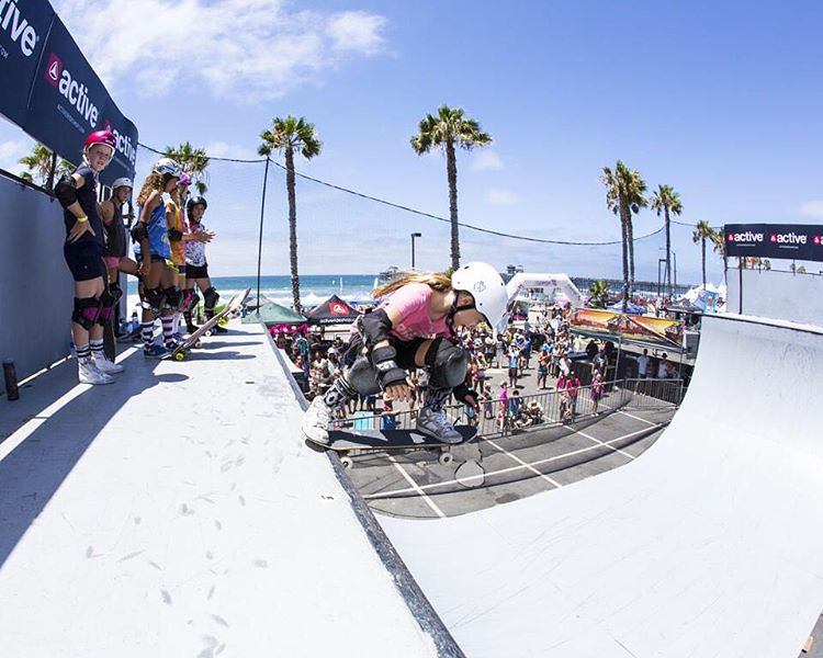 Take us back to @supergirlpro! #fbf | skater: @sierrakerr |