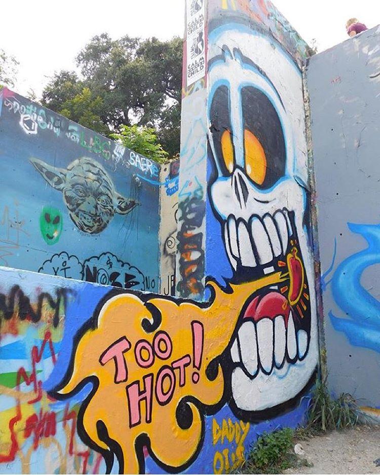 @daddyotis Photo cred @knowatx • • #TooHot • • #atx #austintx #texas #tx #spratx #art #daddyotis